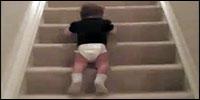 bebe-escalera